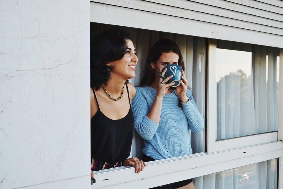 Sharon Borgstrom y Cloé Karagozlu, escritoras en Postales a Casa