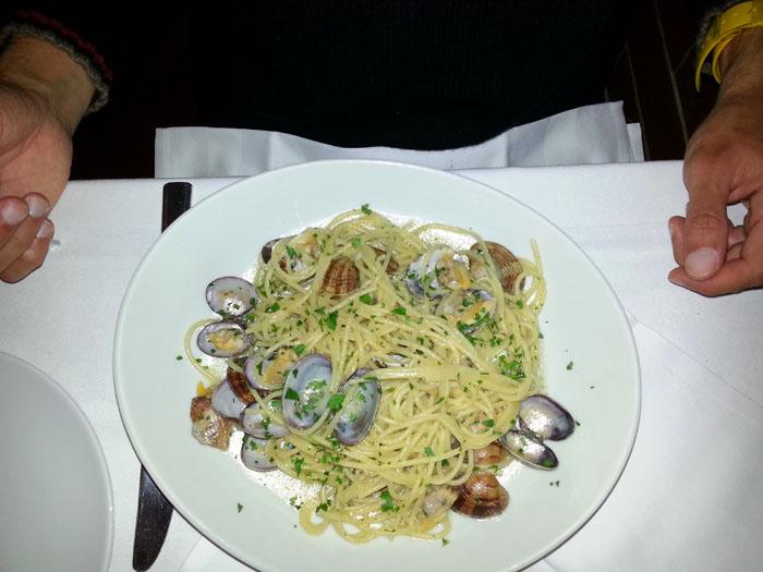Spaghetti que se pidio Gio. Es el mismo piatto que nos ha fatto Fra!