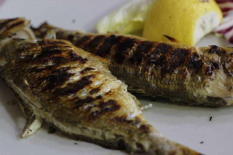 Para el secondo piatto - esta vez pescado-, un plato nuevo.