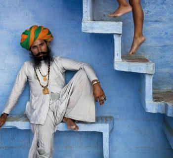 Conocí a Steve McCurry y espié la mente detrás de su mundo colorido